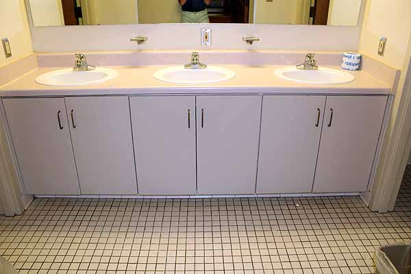photo of cluster-style bathroom sinks