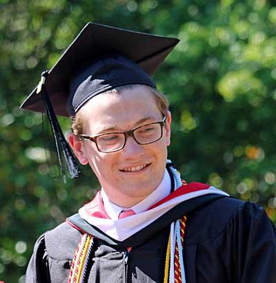 Justin Nolen graduation photo