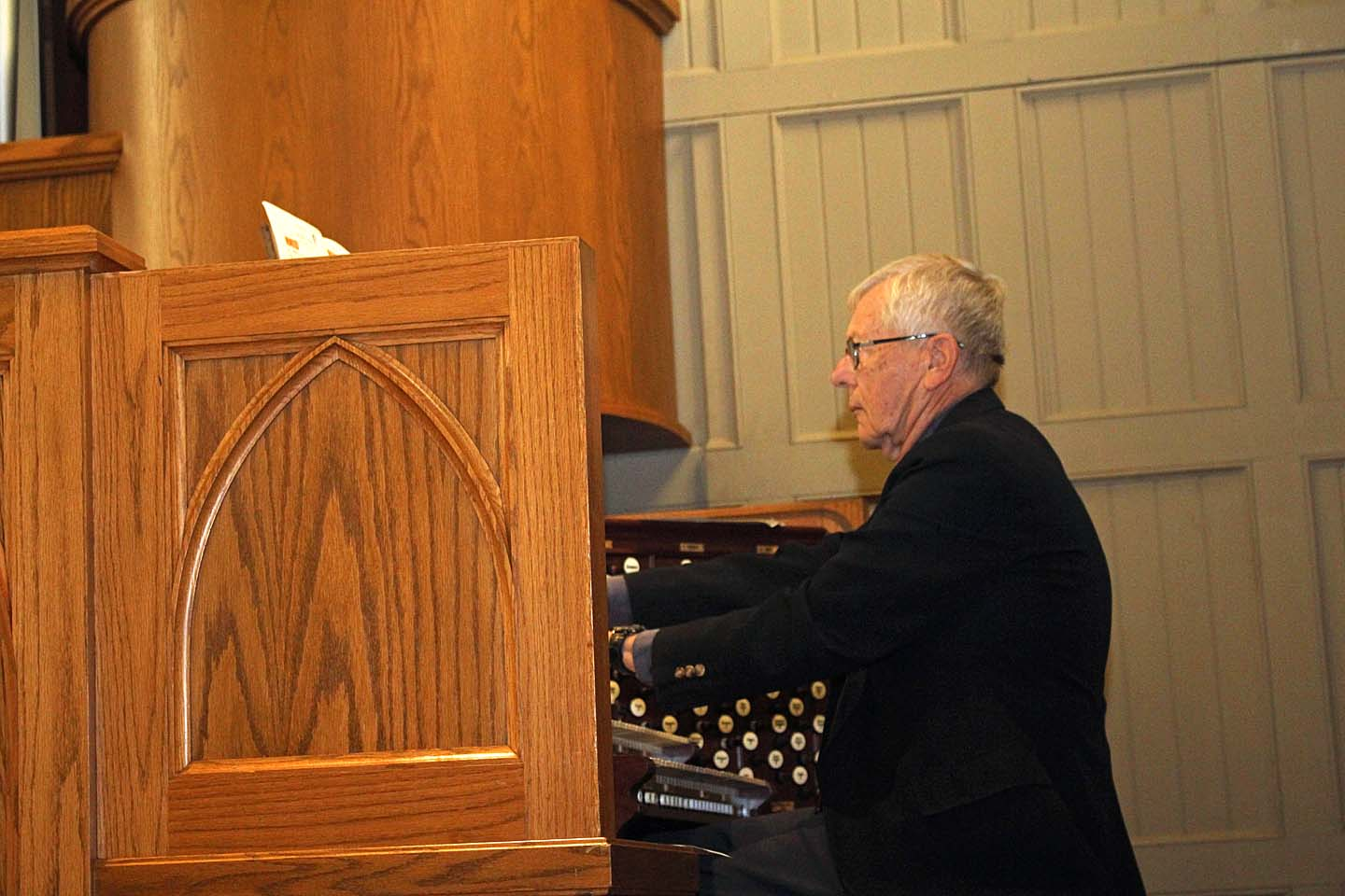 Conely, Garrett Offer Organ Concert