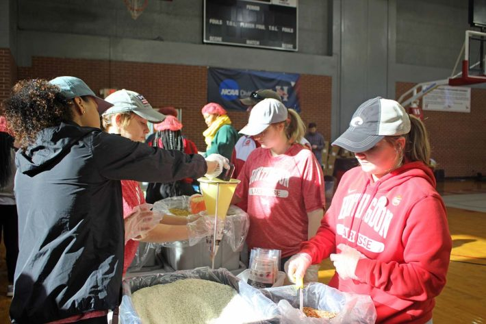 Huntingdon Students Package Meals to Feed the Dream
