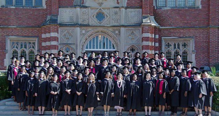 photo of 2017 evening studies graduates
