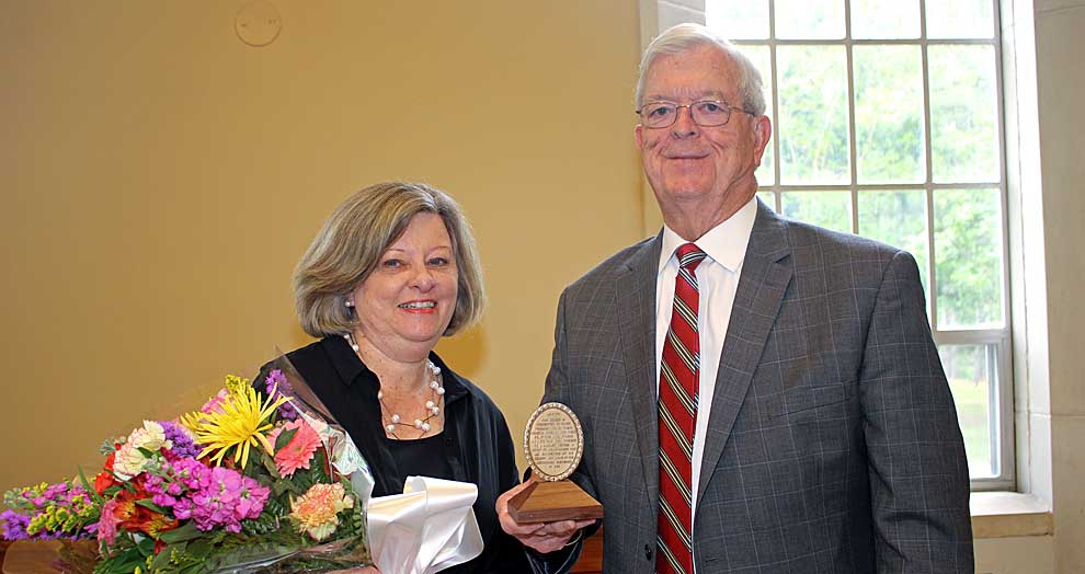 Sullivan Award presented to Karl and Brenda Stegall