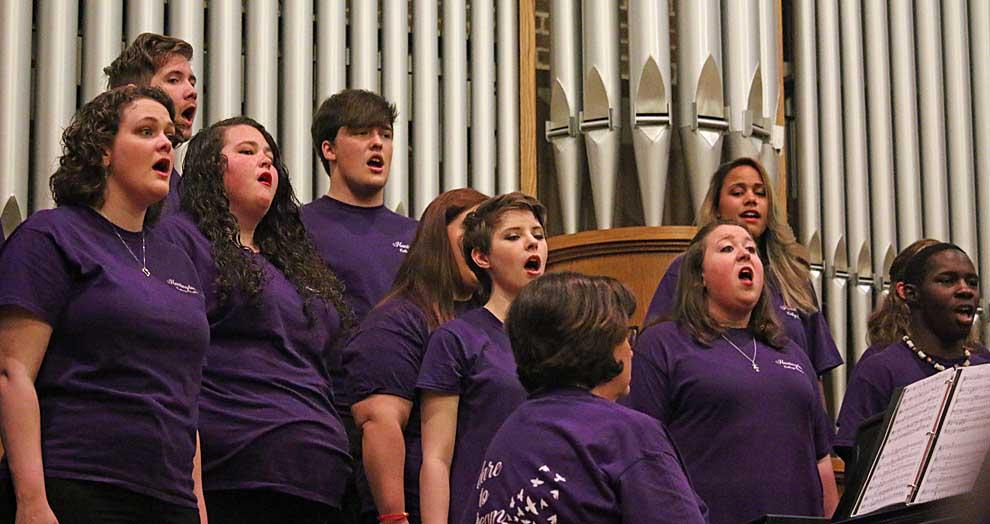 Huntingdon choral groups perform spring concert